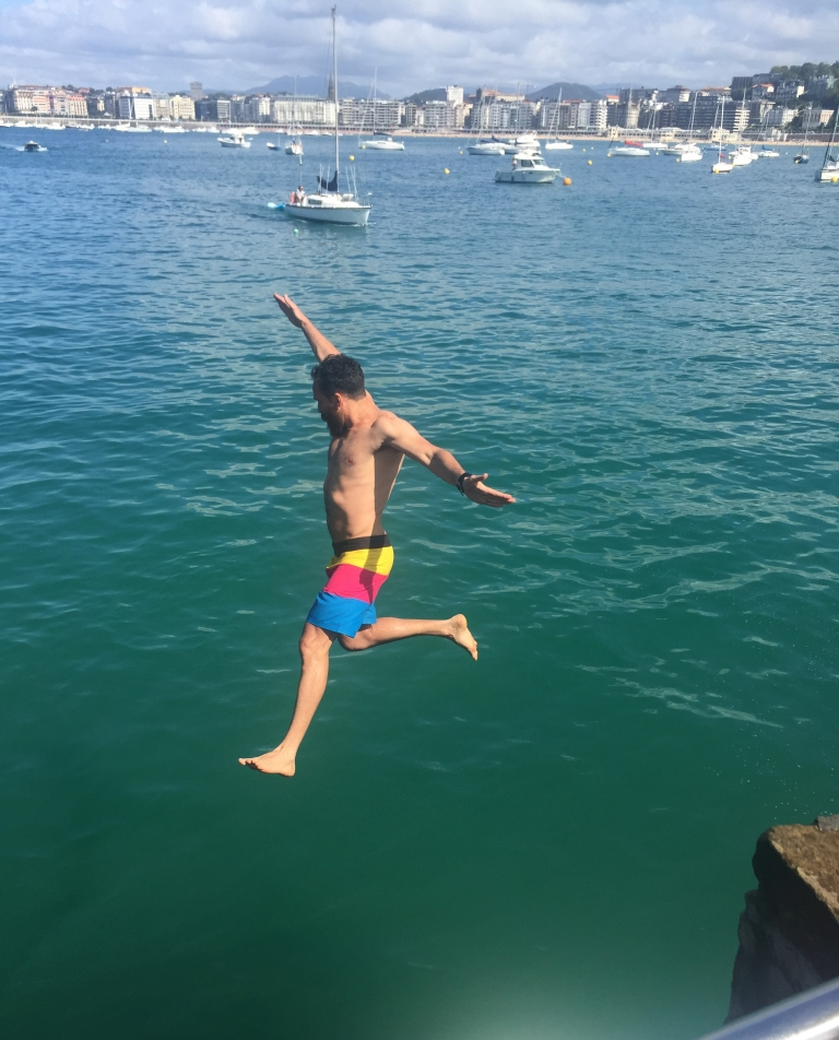 Pier jumping contest
